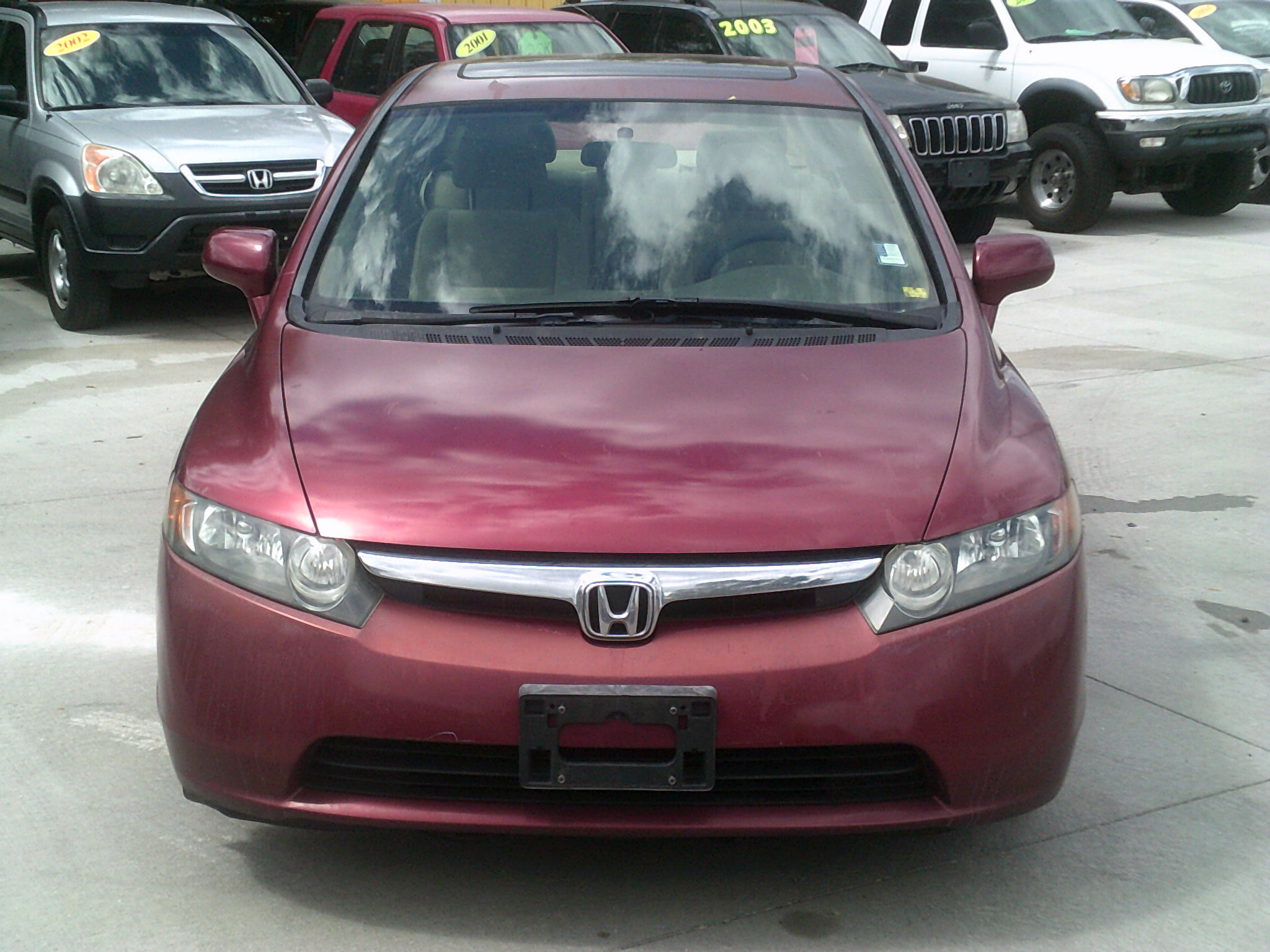 This Civic Gets 25 Miles Per Gallon In The City And 36 Mpg On The Highway.  138K, Automatic, AC, Sunroof, CD Player.